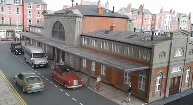 uk model trains scenery