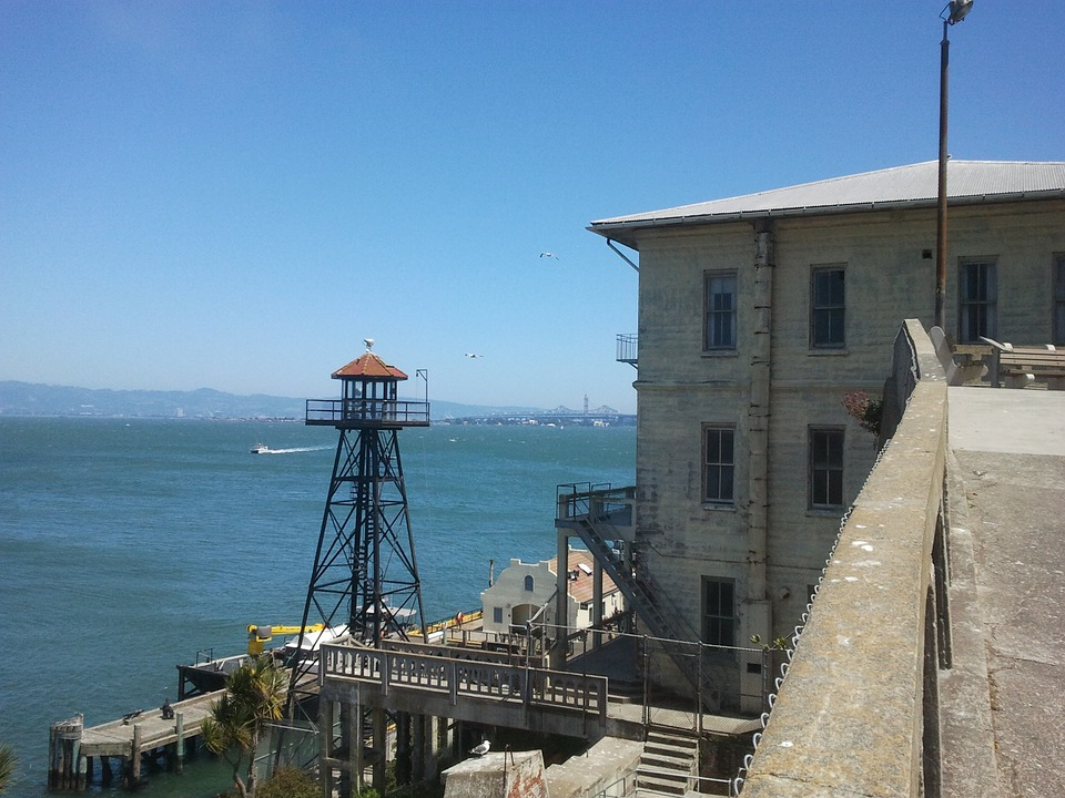 book tickets to tour alcatraz prison